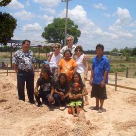 03-moses-Tsunami-Relief-Survival-help-baietti-saccaggi-surin-Thailand-Italy-