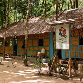 1-beyond-garden-scool-oltre-giardino-moses-italy-phang-nga-burmese-children-work