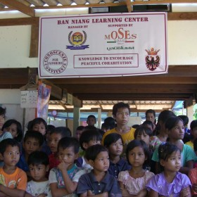 2-Moses-Italy-learning-center-children--school-help-Burmese-people