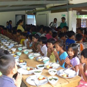 4-Moses-Italy-learning-center-children--nutrition-help-Burmese-people