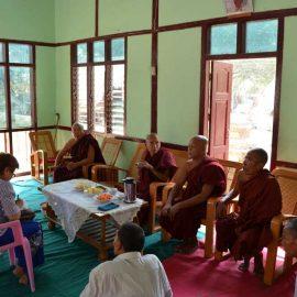 7-monastic-school-moses-italy-sagaing-myanmar-monk-help-patrizia-saccaggi-teaching