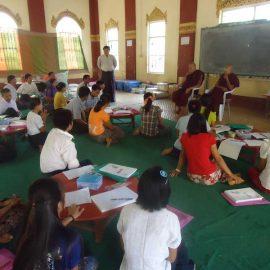 8-monastic-school-moses-italy-sagaing-myanmar-monk-help-patrizia-saccaggi-teaching