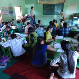 9-monastic-school-moses-italy-sagaing-myanmar-monk-help-patrizia-saccaggi-teaching