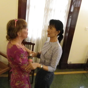 110225 - 4 - Aung San Suu KyiMeeting  Patrizia Saccaggi Francesco Baietti Moses Yangon 44