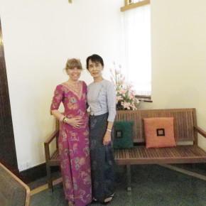 110225 - 7 - Aung San Suu KyiMeeting  Patrizia Saccaggi Francesco Baietti Moses Yangon  (2)